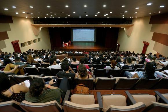 "Crea Jr-MT ministra palestra ""Desafios e Perspetivas"" aos estudantes da Unemat"
