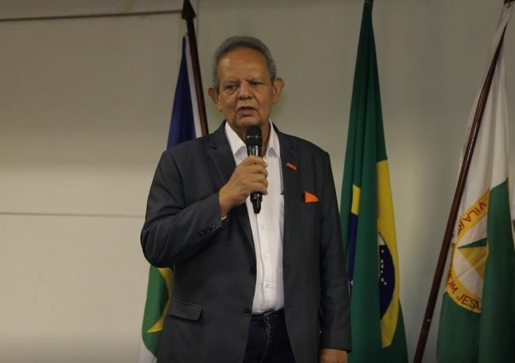 """""""Não se resolve questões coletivas sem intervenção política"""", diz Waldir Caldas"""