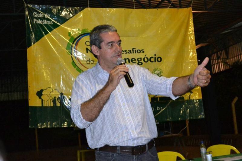 """""""O governador conseguiu arrumar a casa"""", defende vice de Taques"""