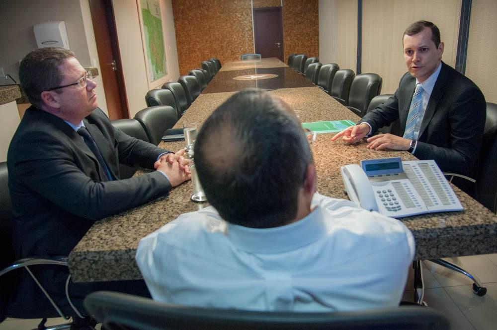 Duodécimo atrasado da Defensoria deve pautar reunião liderada por Taques