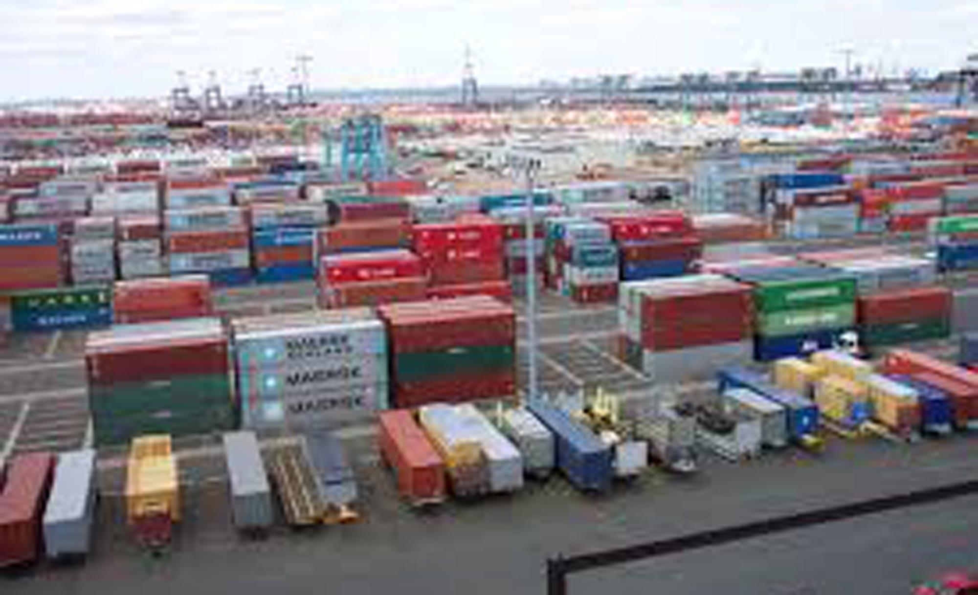 Economia mundial dá sinais favoráveis de crescimento, diz FMI