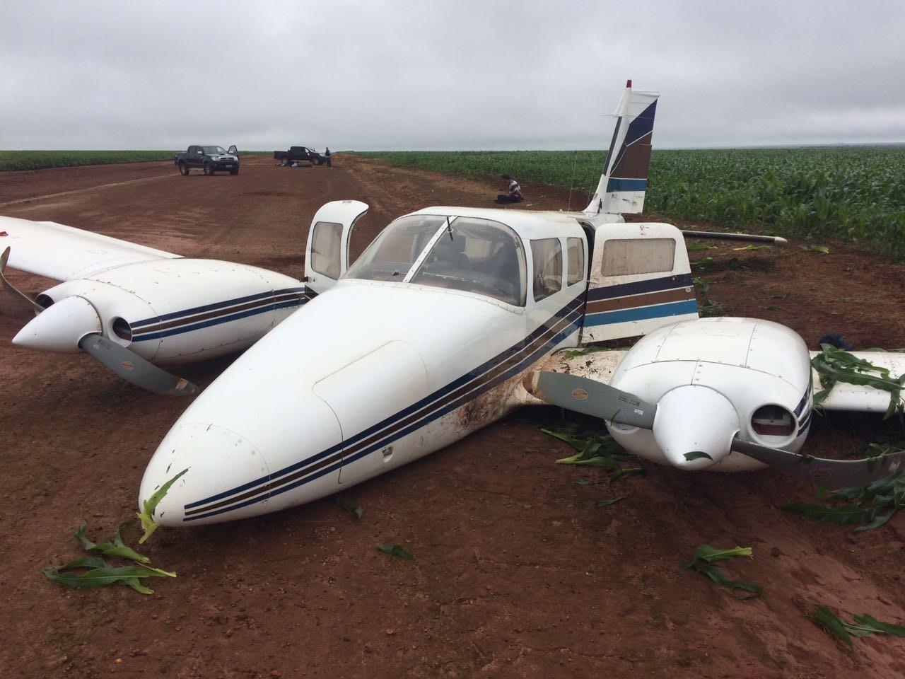 Avião com 400 quilos de cocaína é apreendido e 5 são presos por tráfico