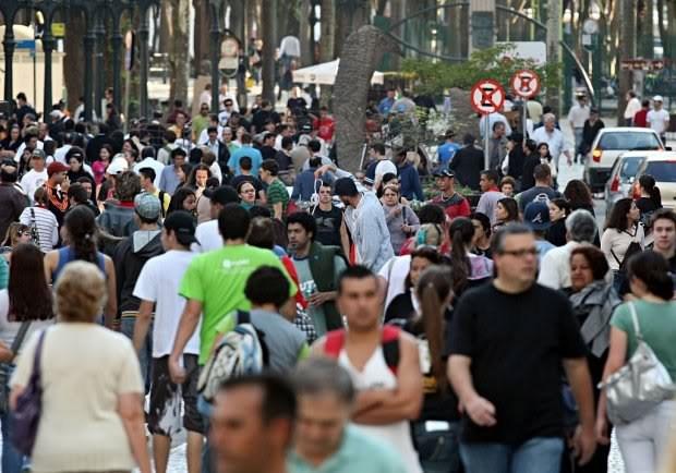 Número de imigrantes com contrato de trabalho formal caiu 13% no Brasil em 2016