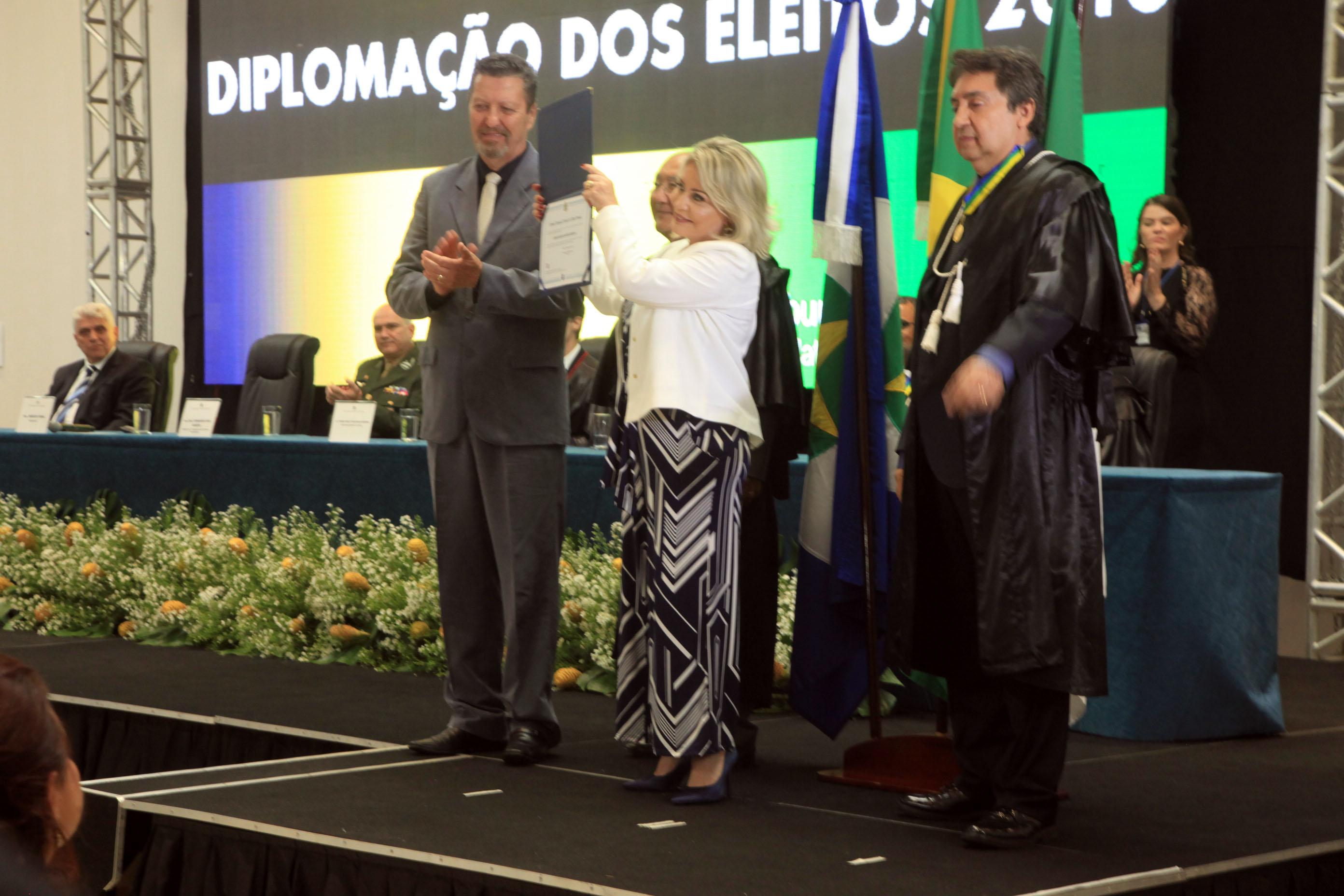 """Selma promete aliança com Bolsonaro e """"trabalhar por segurança e combate à corrupção"""""""