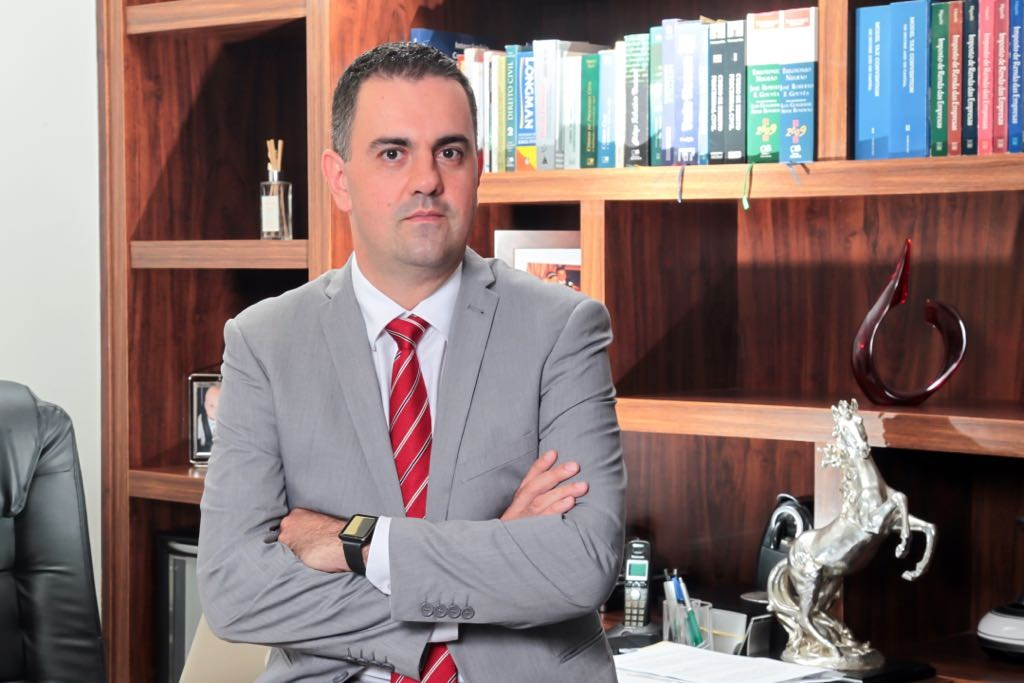 Carlos Roberto de Cunto Montenegro é presidente da Comissão de Direito Tributário e de Defesa do Contribuinte da OAB-MT. Foto: Assessoria - Foto: