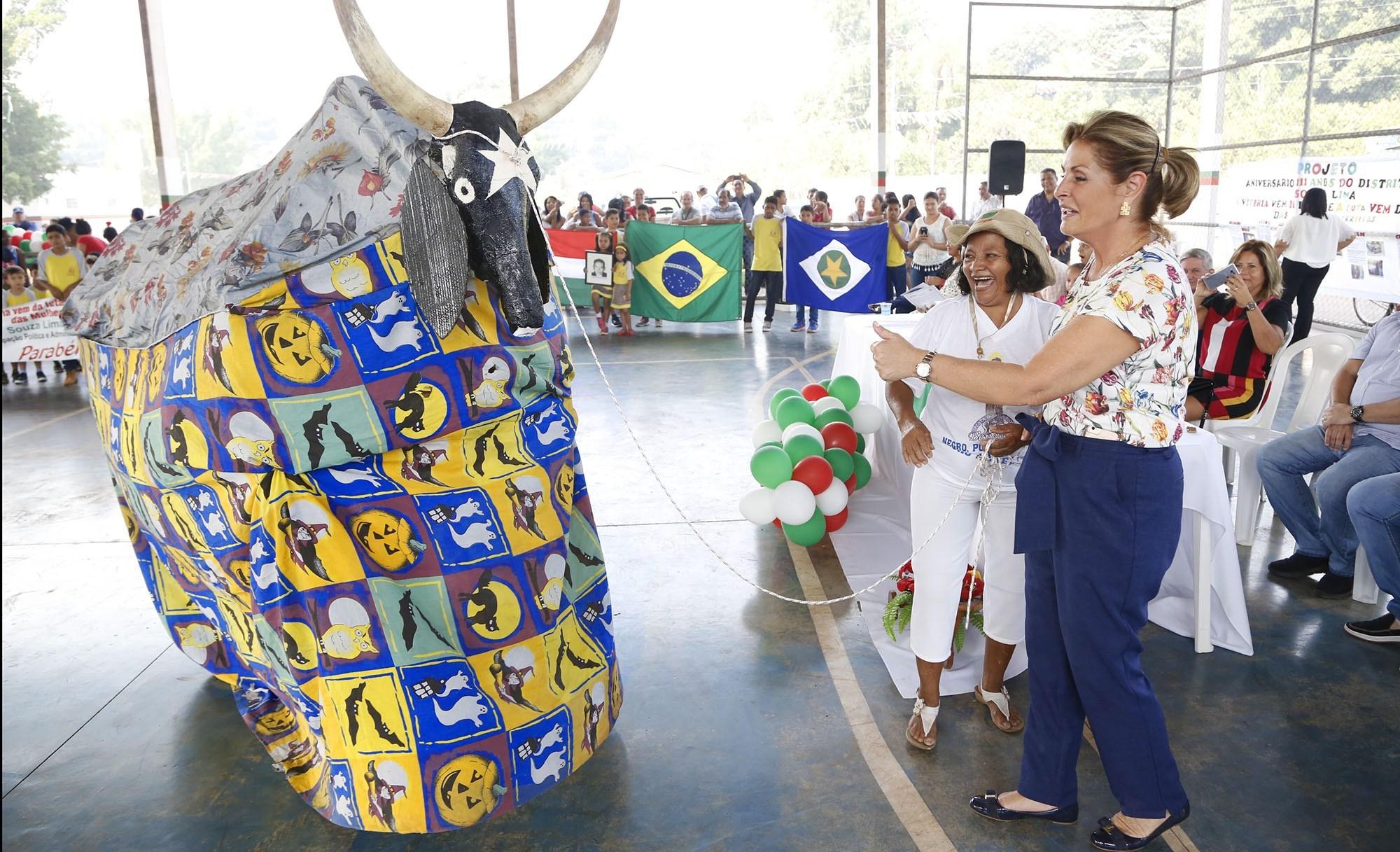 Prefeita participa das comemorações dos 111 anos do Souza Lima