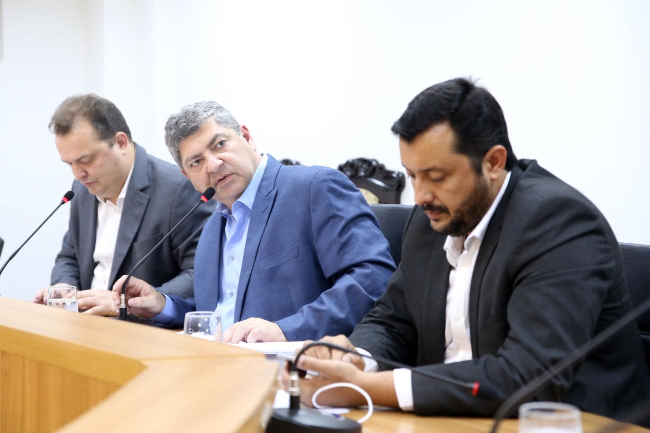 """Relatório da CPI dos Consignados aponta """"superendividamento"""" dos servidores"""