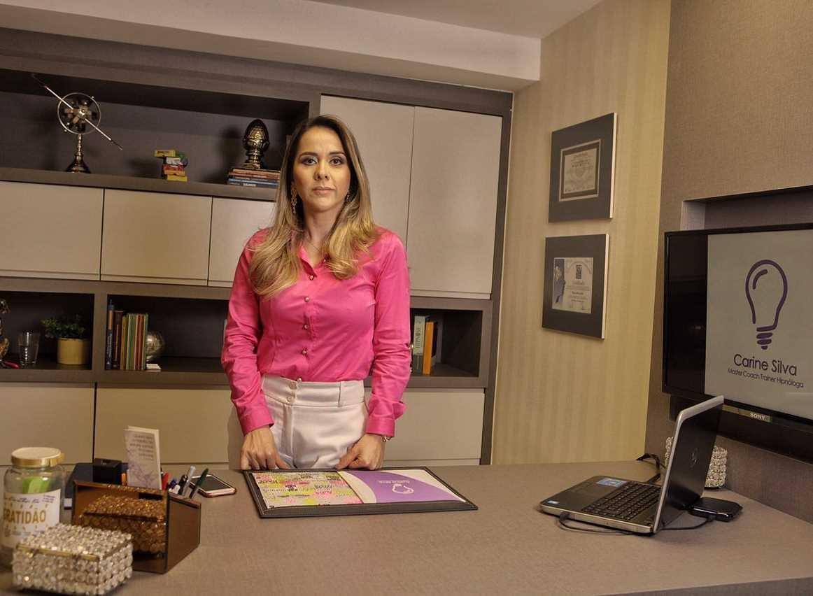 Carine Silva é master coach e consultora empresarial. Foto: Arquivo Pessoal.