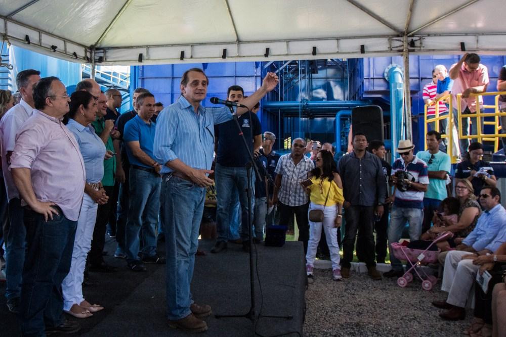 Inauguração do novo sistema de água em Chapada 'une' adversários