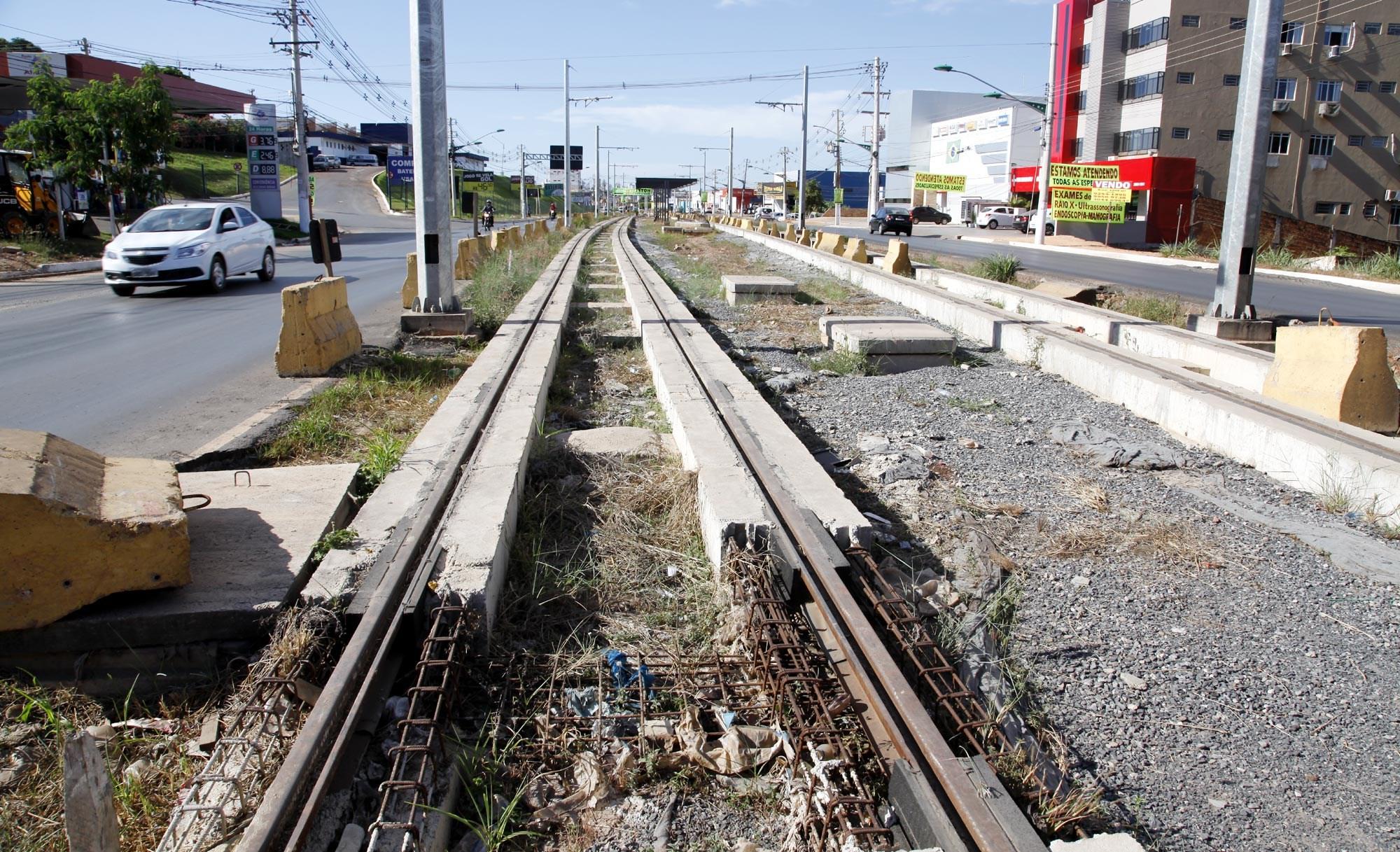 Prefeituras de Cuiabá e Várzea Grande vão tentar 'desenrolar' VLT no MP