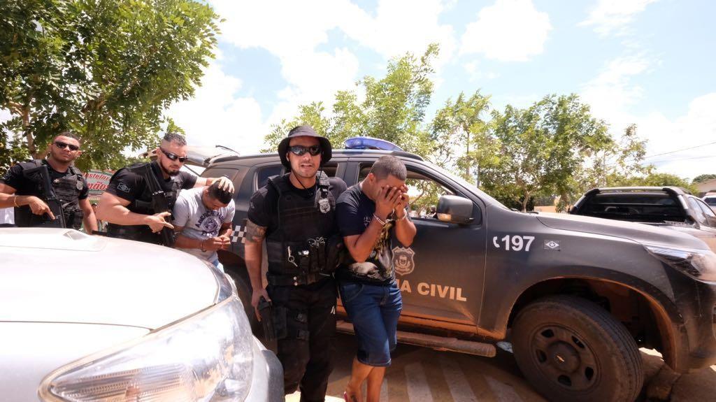 Polícia prende três pelo assassinato do prefeito de Colniza