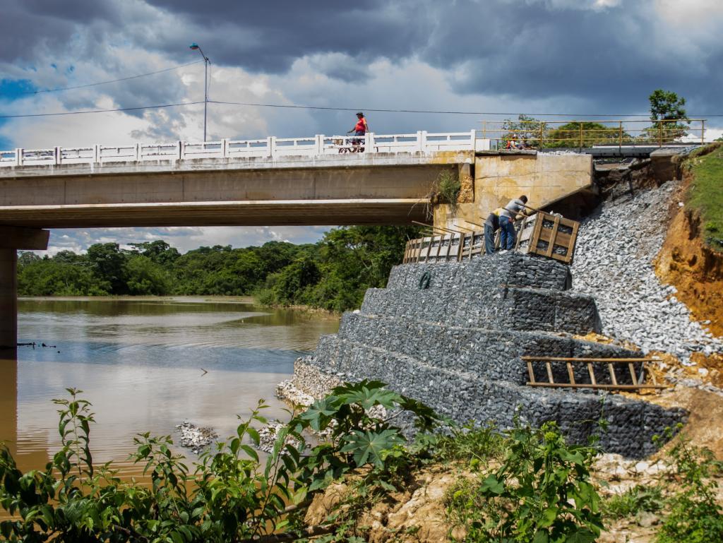 Na fase final das obras, ponte será liberada para tráfego de veículos leves