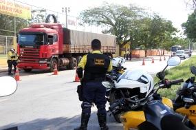 Motoristas de carga pesada devem emitir a AET para trafegar em Cuiabá