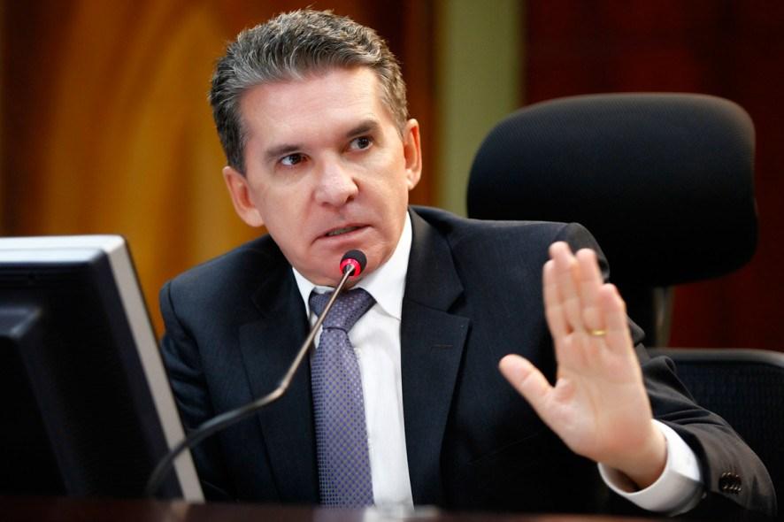 Ministro Luiz Fux mantém afastamento do conselheiro Sérgio Ricardo