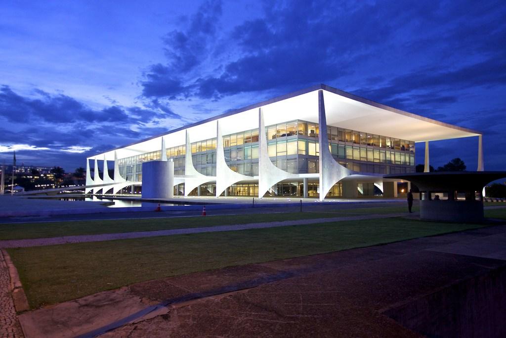 Bolsonaro volta a Brasília para dois dias de reuniões