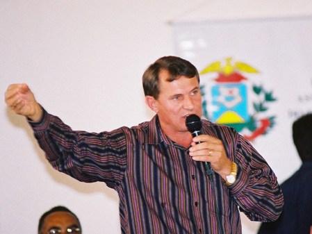 Justiça decreta indisponibilidade de bens de prefeito reeleito em 2016