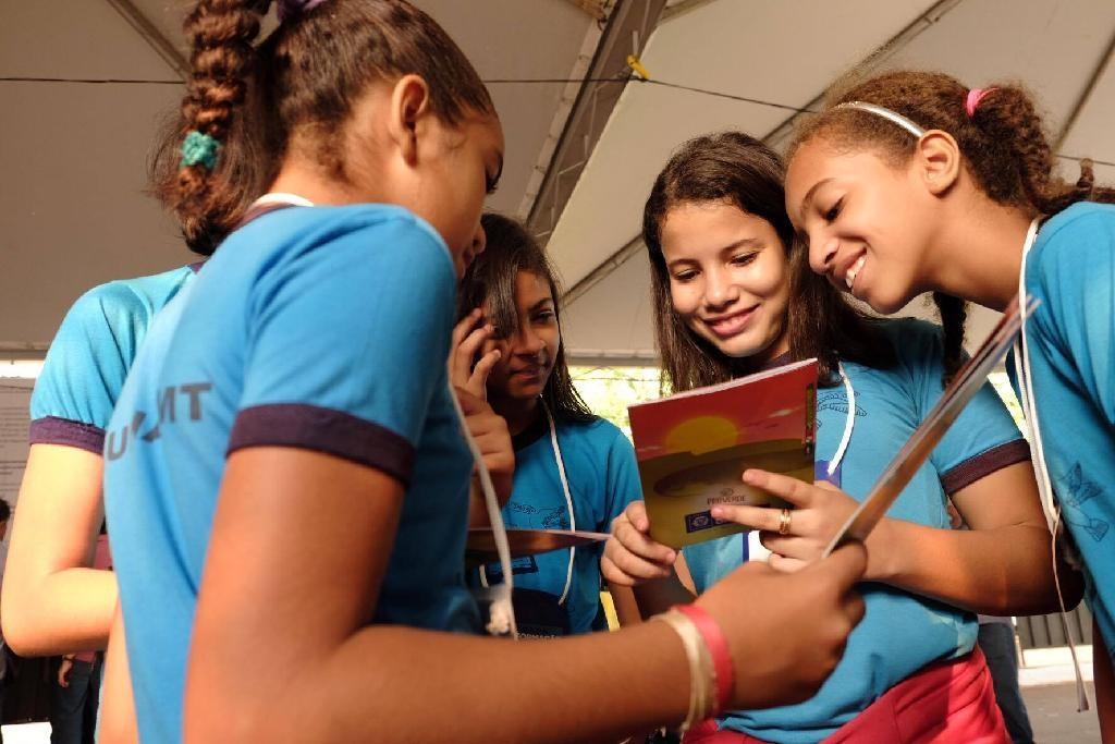 Estado lança gibi 'Amiguinhos em Ação' para promover educação social