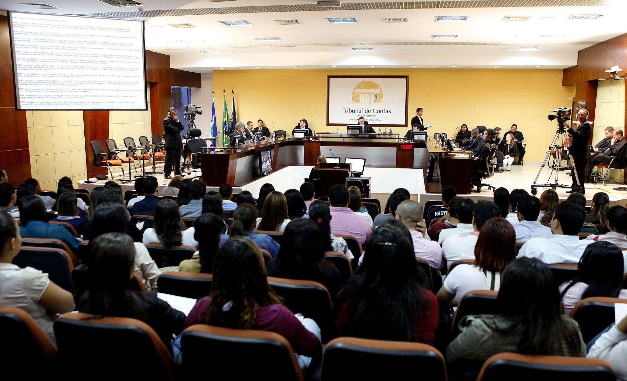 Ministério Público de Contas defende pagamento de RGA e gera impasse no TCE