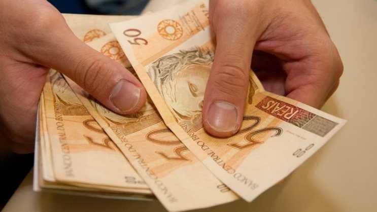 Câmara aprova 13º salário para vereadores e RGA para servidores do Legislativo