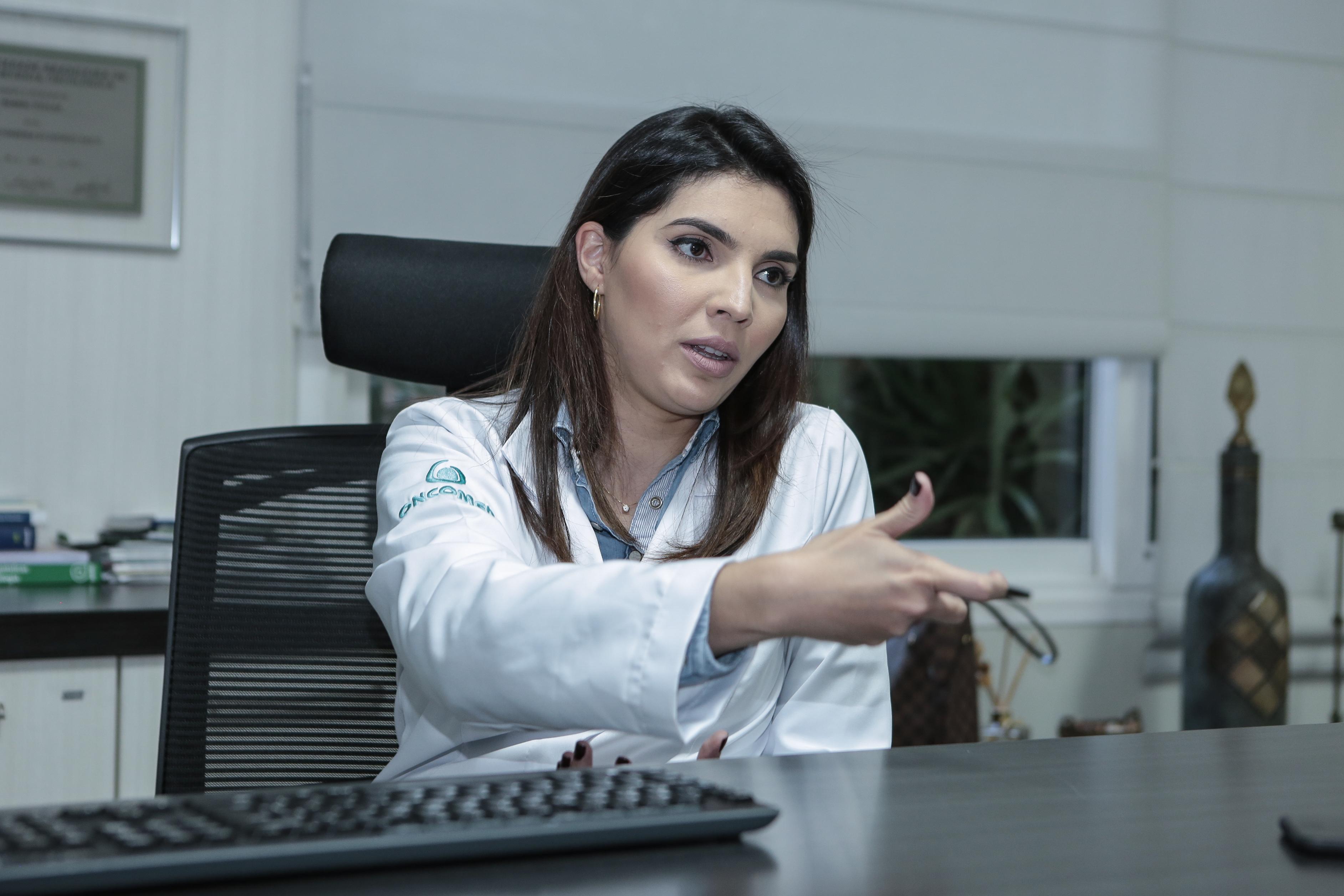 Falar sobre câncer de mama nunca é demais, defende oncologista