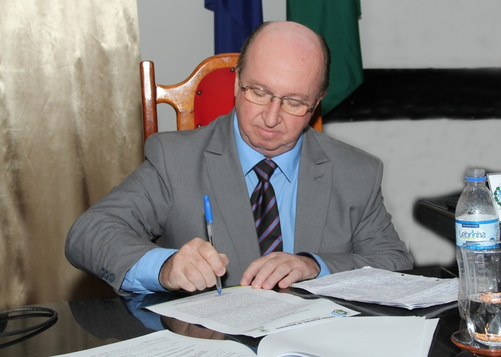 """Prefeito defende instalação de PCH para """"salvar"""" economia de Brasnorte"""