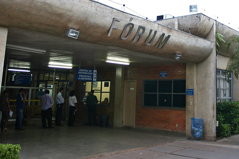 Justiça dá prazo de 60 dias para Estado reformar escola, sob pena de bloqueio das contas