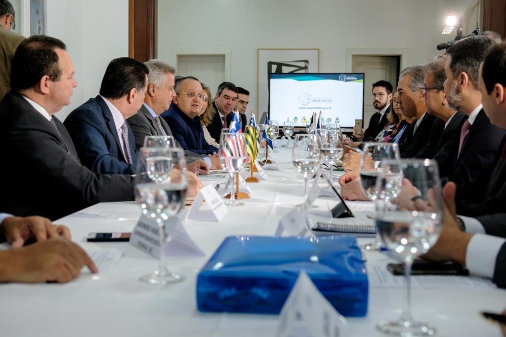 Taques é eleito novo presidente do Consórcio Brasil Central