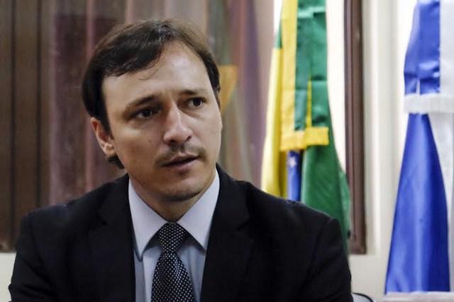 TRE manda governador explicar custos de reunião com servidores