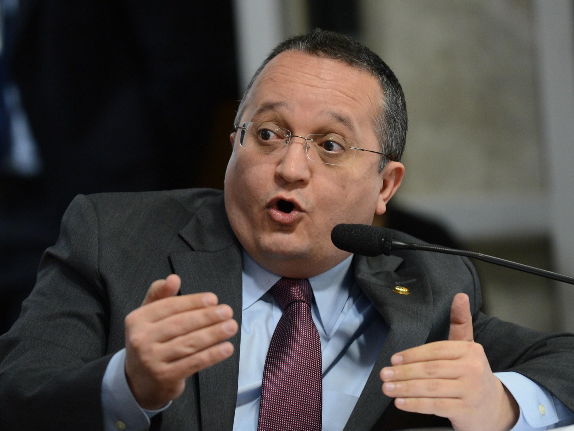 """Governador responde aos adversários: """"já tem político tentando me calar"""""""