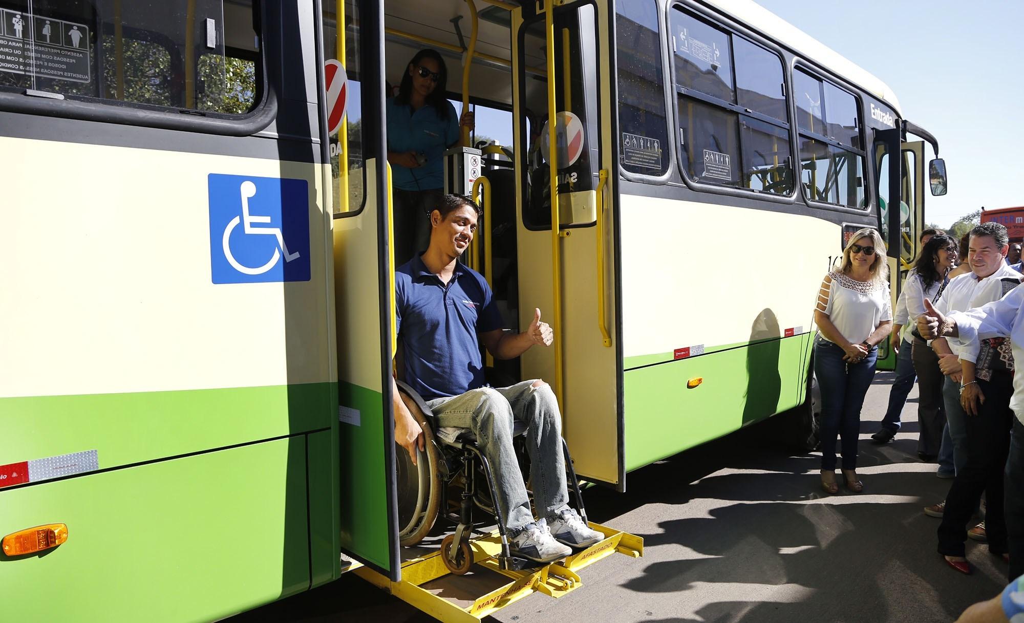 Novos ônibus com ar-condicionado e wi-fi começam a circular em VG