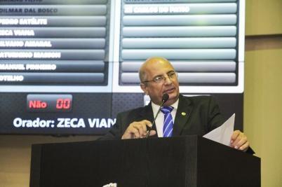 Zeca ajuiza mandado de segurança e pode barrar trâmite de contas do Governo