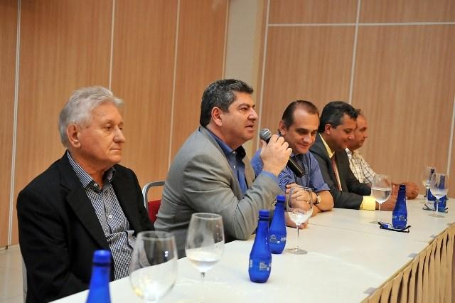 """Maluf apoia Mendes nos cortes do Estado e cobra """"participação dos Poderes"""""""