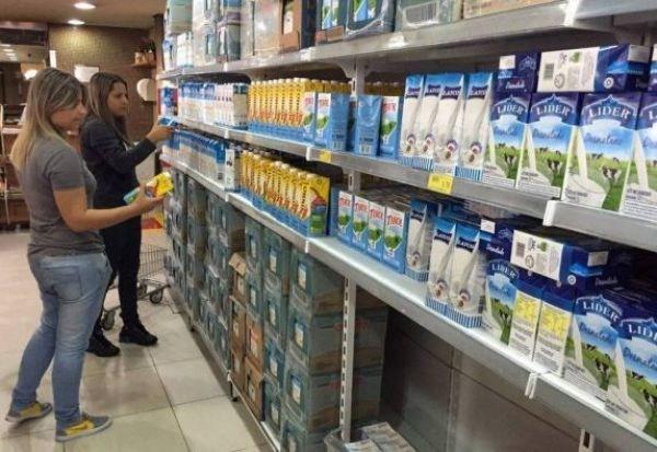 Leite chega a custar R$ 12,90 e arroz sai por R$ 25,20, revela Procon