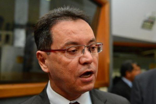 Presidente da AL arquiva pedido de afastamento de Taques; Janaina lamenta decisão