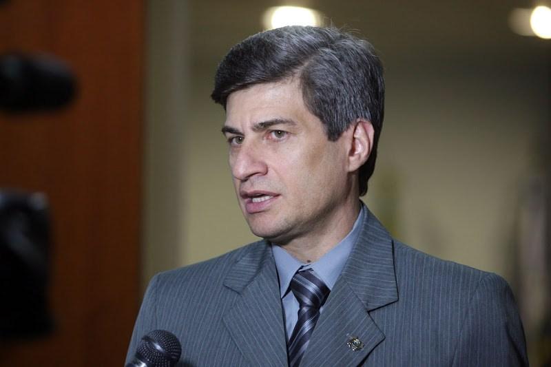 Estado proíbe Cursi de atuar na Sefaz; trabalho será na Escola de Governo