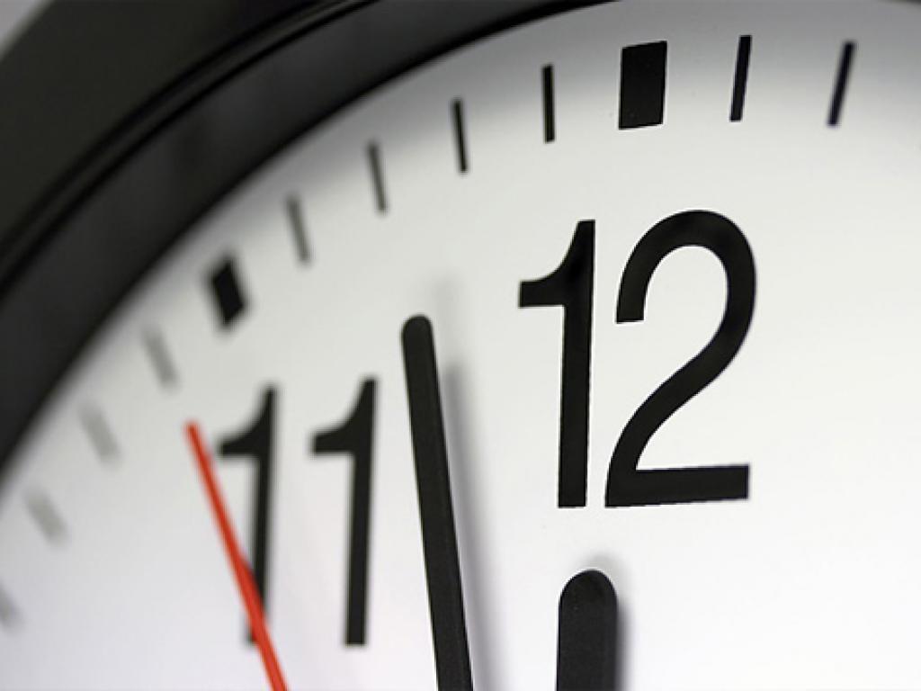 Horário de verão começa à meia-noite; relógios devem ser adiantados