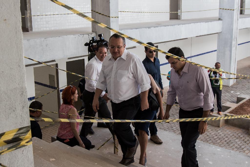 Governador anuncia concurso na Secitec com salários de até R$ 4,1 mil