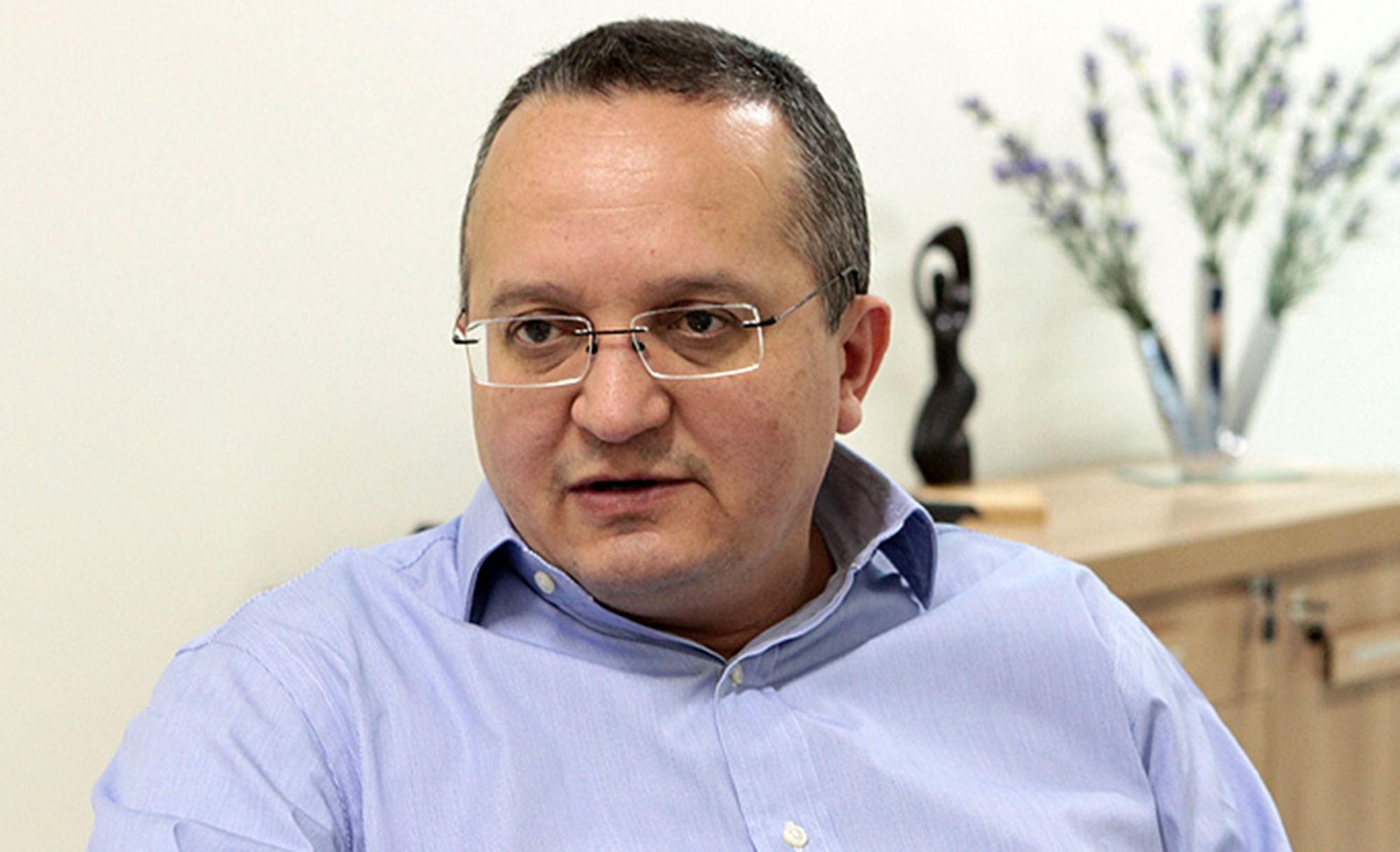 Taques diz que presidente do TCE foi conivente com 'negociatas de venda de vagas'