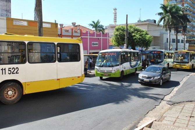 Estado anuncia licitação para ônibus novos e promete passagens baratas